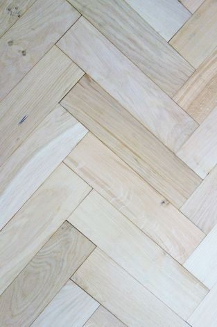 WFUK Pure Unfinished Oak Herringbone